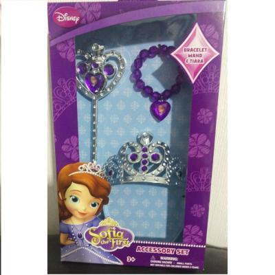 Pack de 3 accessoires Sofia la princesse Disney : 1 couronne, 1 bracelet et 1 baguette.
