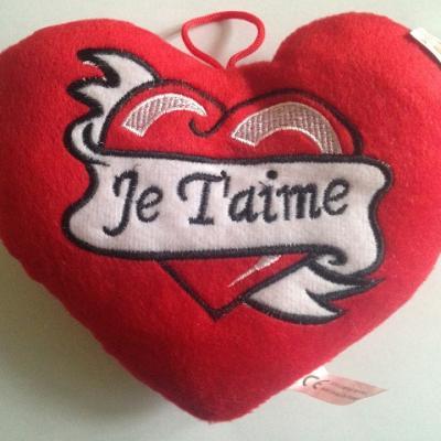 """Jolie et douce peluche cœur """"Je t'aime"""""""
